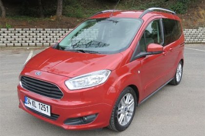 Ford Tourneo Courier 1.5 TDCi/71 kW Sport